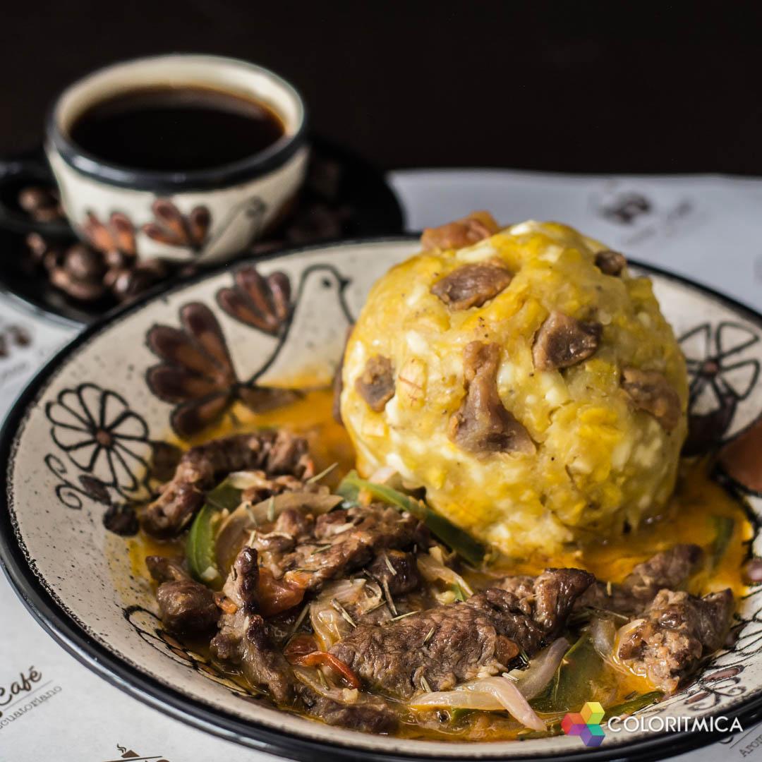 Gastronomía – Bolón con Bistec de Carne